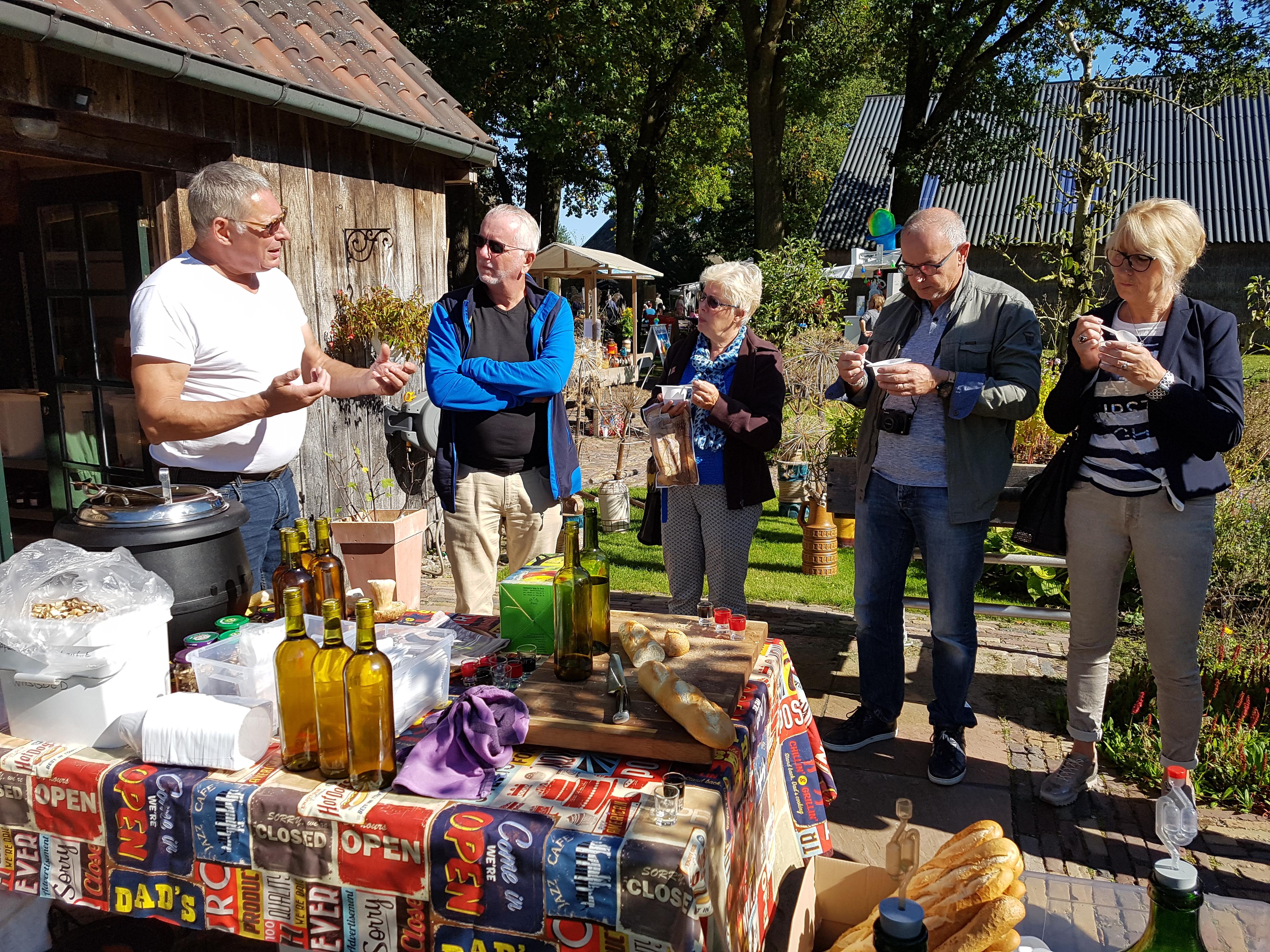 Hobbywijnmakerij InDeLorem op het Oogstfeest Meppen